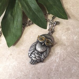 Harry Potter movable Owl in glasses necklace
